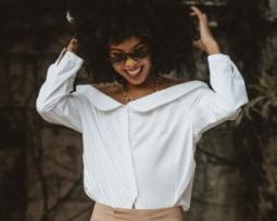 10 maneiras de montar looks fashions com a camisa branca