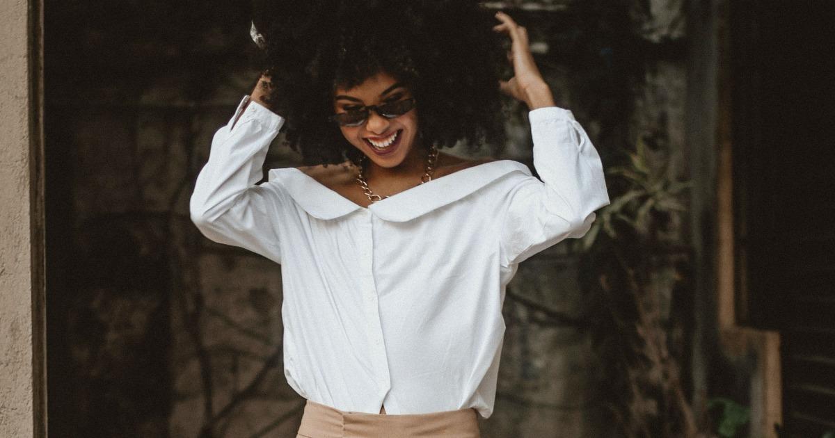 20af575d8 10 maneiras de montar looks fashions com a camisa branca - Eu Total