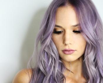 Como pintar o cabelo em casa? Dicas e passo a passo de como fazer sozinha
