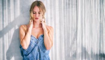 Cropped jeans: veja como usar essa peça cheia de estilo