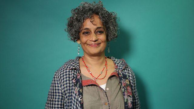 Escritoras contemporâneas que você precisa ler: Arundhati Roy