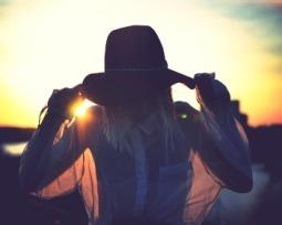 Botas, franjas e tons terrosos: inspire-se no estilo country