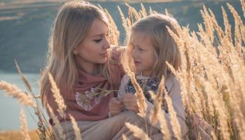 Frases para foto com a filha: veja legendas cheias de emoção
