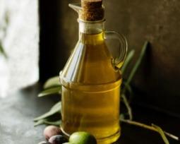 Hidratação com azeite: conheça os benefícios para o cabelo