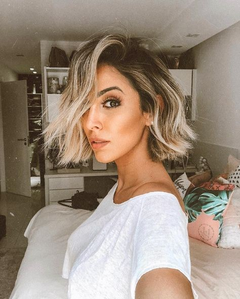 Confira inspiraçōes para apostar em cabelos curtos com luzes