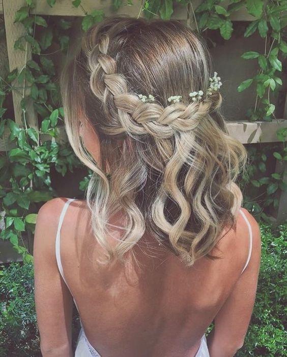 Confiras dicas de penteados para madrinhas arrasarem!