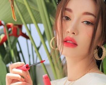 Lip tint: o produto que vai mudar a sua maneira de se maquiar