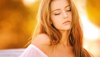 Loiro mel: descubra as possibilidades desse lindo tom de cabelo
