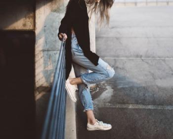 Looks com calça jeans: 100 estilos para você se inspirar