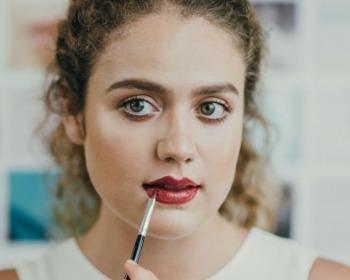 Veja como fazer uma maquiagem para a noite com perfeição
