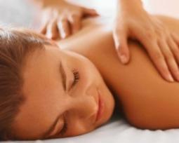 Massagem relaxante: conheça 15 benefícios e diferentes técnicas