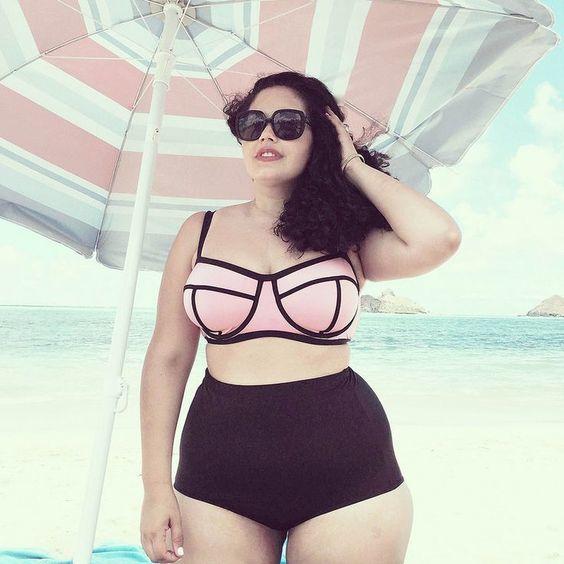 Moda praia plus size para você arrasar no verão: modelos de biquíni