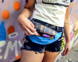 50 sugestões de looks com pochete para um visual fashion