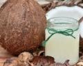 7 razões para apostar no óleo de coco para bronzear o corpinho