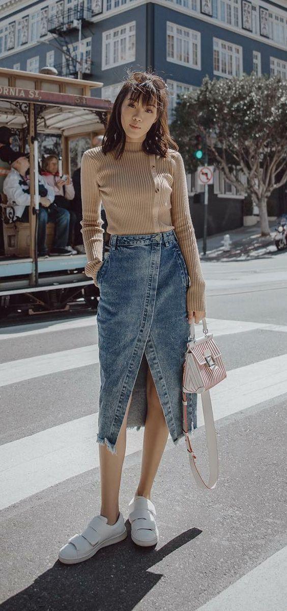 Looks com saia midi para o inverno: saia jeans