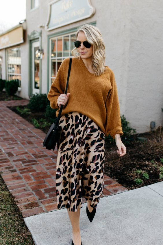 Looks com saia midi para o inverno: Animal Print