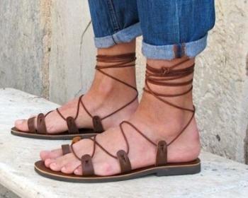 Sandália gladiadora: saiba como usar esse modelo cheio de estilo