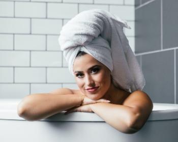 Shampoo sem sulfato: dicas e opções para um cabelo mais saudável