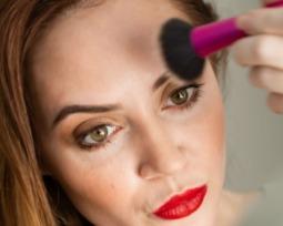 6 passos para fazer a sobrancelha sozinha com perfeição