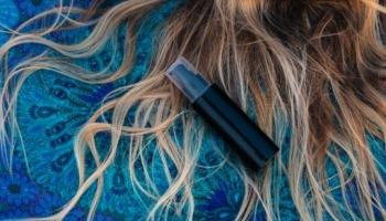 Soro fisiológico no cabelo: método simples e eficaz para salvar seu cabelo