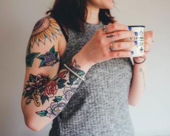 Tatuagem de flor: veja 65 inspirações cheias de delicadeza