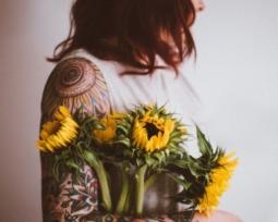 Tatuagem feminina no braço: 36 opções para você se inspirar!