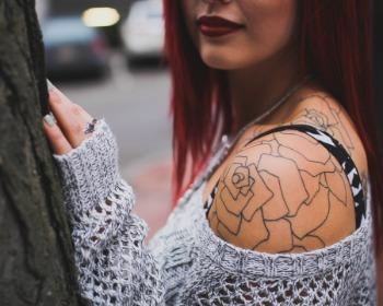 Tatuagem no ombro feminina: inspire-se com lindas sugestões antes de fazer a sua!