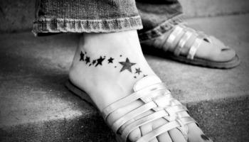 Tatuagem no pé: veja dicas e ideias para fazer a sua!