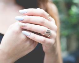 Unhas de fibra de vidro: Confira tudo sobre essa nova moda