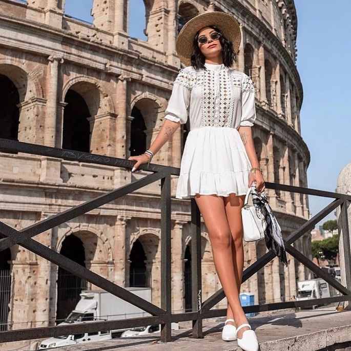 30 modelos incríveis para arrasar com vestido branco curto!